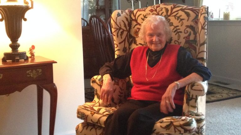 Bertha Aiken at her home in Paoli. She has been a member of the First Presbyterian Church of Germantown since 1951. (Neema Roshania/WHYY)