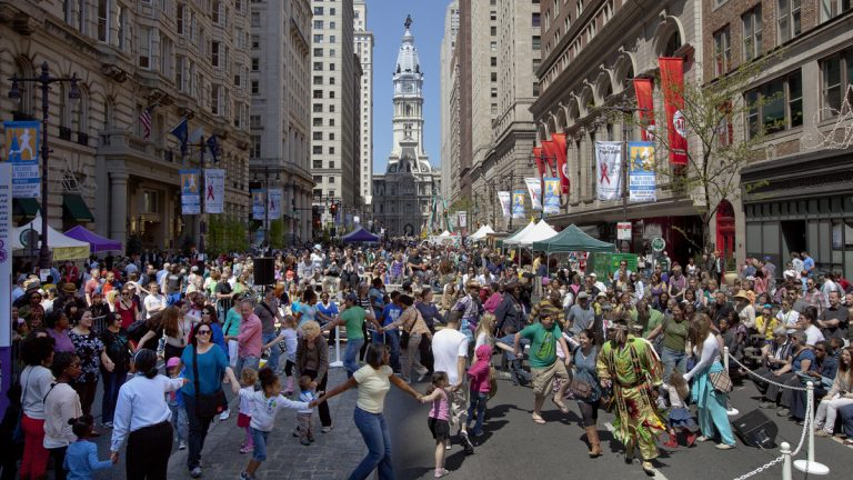 Revelers enjoy a previous PIFA street fair.(Image courtesy of the Kimmel Center)