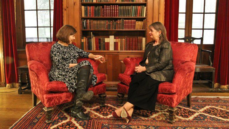Maiken Scott interviews Siobhan Reardon at the Philadelphia Free Library. (Kimberly Paynter/WHYY)