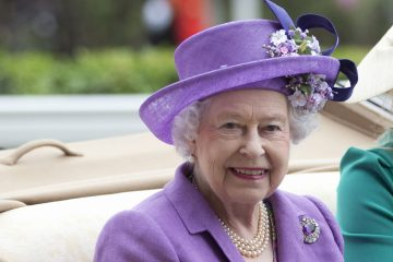 Britain's Queen Elizabeth II is shown in this June 2013 photo. (AP Photo/Alastair Grant, file)