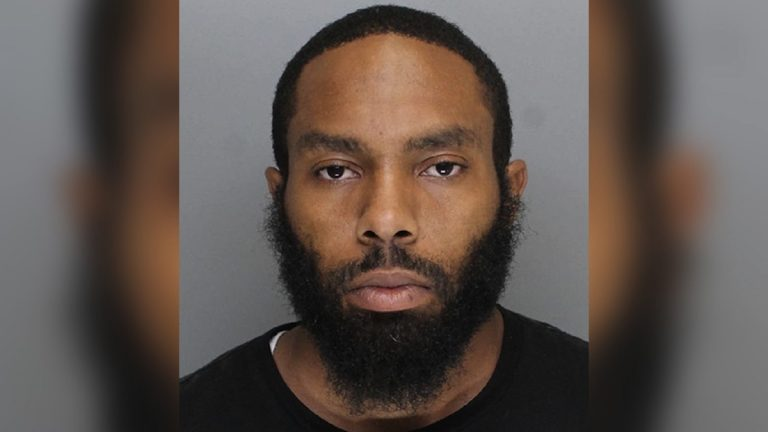 Suspect Richard Issac has been charged with robbery and related offenses. (Courtesy of the Philadelphia Police Dept.)