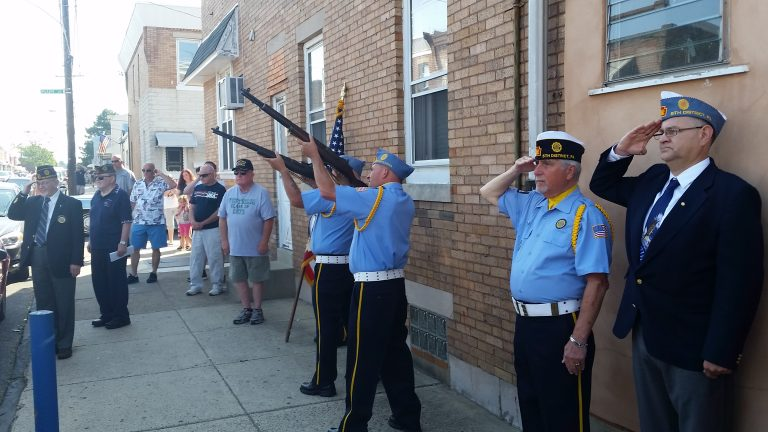 A rifle salute for the nation's war dead marks the Memorial Day observances in Philadelphia's Bridesburg section.(Tom MacDonald/WHYY)