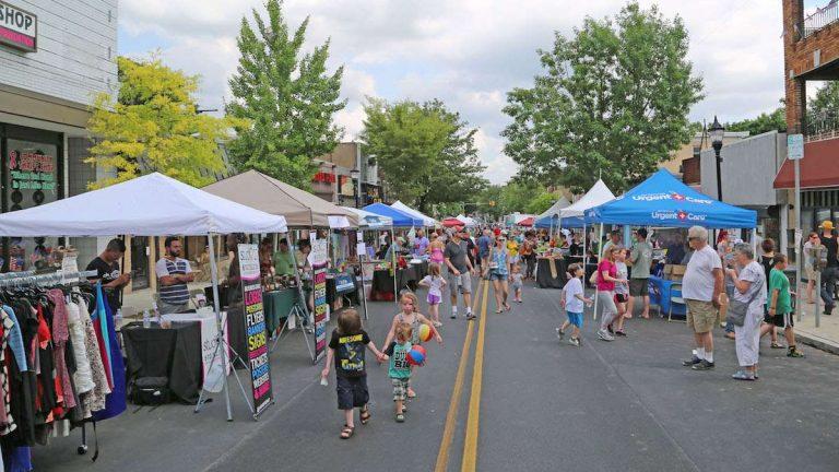 Ridge Avenue during the 'Art is Life' festival. (Natavan Werbock/for NewsWorks)