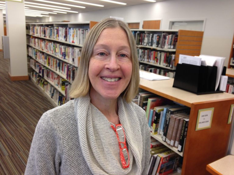 Montgomery County librarian Roz Warren's new book