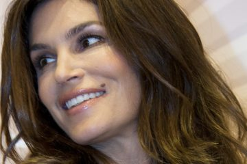 Supermodel Cindy Crawford and her trademark mole. Penn researchers have gained insight into why moles  stop growing and why some turn cancerous. (AP Photo/Alexander Zemlianichenko)