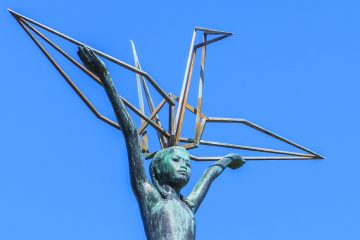 This statue of Sadako Sasaki