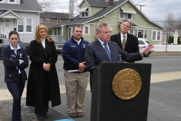 From left, Middletown Mayor Stephanie Murray, Monmouth County Freeholder Serena DiMaso, Middletown Township Committee member Tony Fiore, Sen. Bob Menendez (D-NJ), New Jersey Congressman Frank Pallone (D-N76).  (Tracey Samuelson/for NewsWorks)