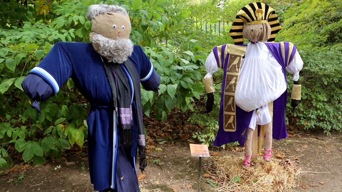 A scene from last year's Scarecrow walk. (Nathan Werbock/for NewsWorks, file)