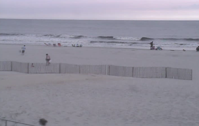 Ocean City, NJ at 10:09 a.m. today. (Image: TheSurfersView.com)