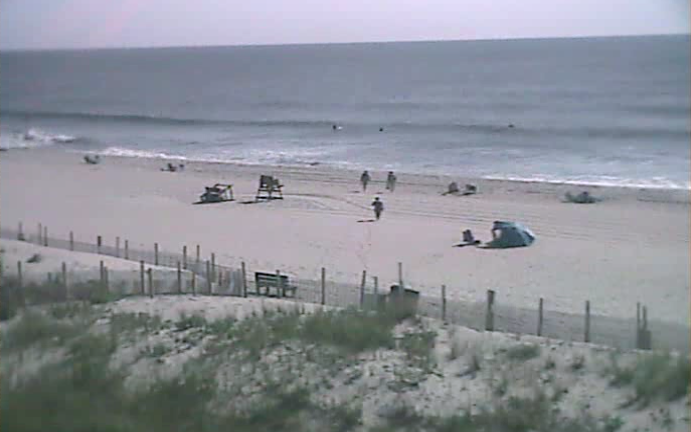 Shortly before 10:00 a.m. today in Ship Bottom. (Image: TheSurfersView.com)