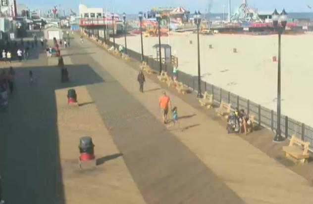Walking the boards in Seaside Heights around 4:10 today. (Image: EarthCam)