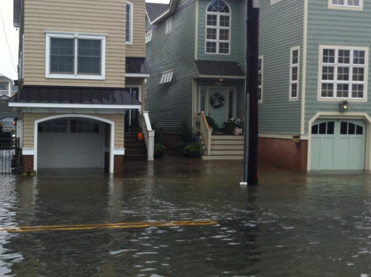 Flooding at 10th Street and Pleasure Avenue in Ocean City, NJ Thursday afternoon. (Photo: Cleve Bryan CBS3/via Twitter ‏@CleveBryan)