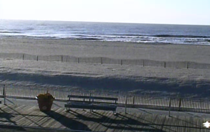 About 8:15 a.m. Tuesday in Ocean City, NJ. (Image: TheSurfersView.com)