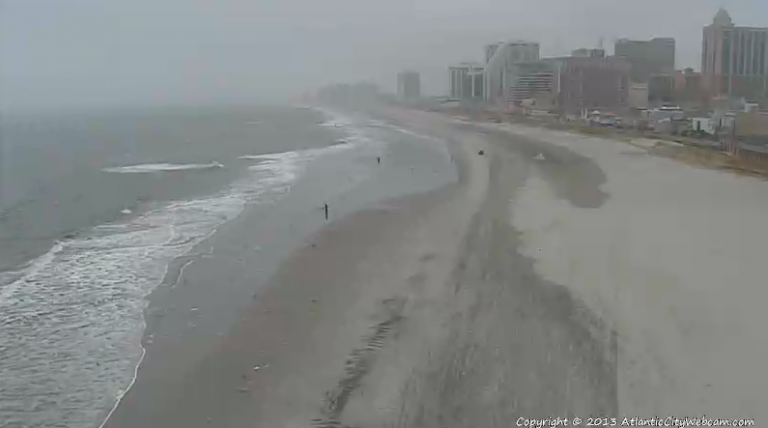 Gloomy conditions in Atlantic City at about 10 a.m. today. (Image: AtlanticCityWebcam.com)