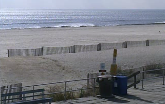 Ocean City, NJ at 11:45 a.m. Friday. (Image: TheSurfersView.com)