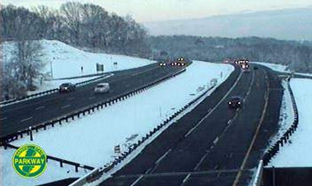 The view from center median of the Garden State Parkway at mile marker 115.9 south in Holmdel. (Image: 511nj.org)