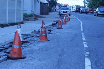Construction-related parking restrictions along Ridge Avenue. (Matt Grady/for NewsWorks)