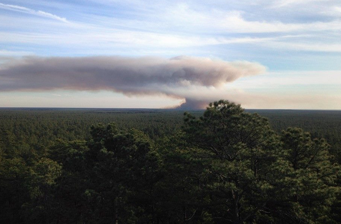 The Wharton State Forest wildfire as seen from the Apple Pie Hill tower in South Jersey late Sunday afternoon. (Photo: Jersey Shore Hurricane News contributor Samantha Brumbaugh via Chris Santaspirt)
