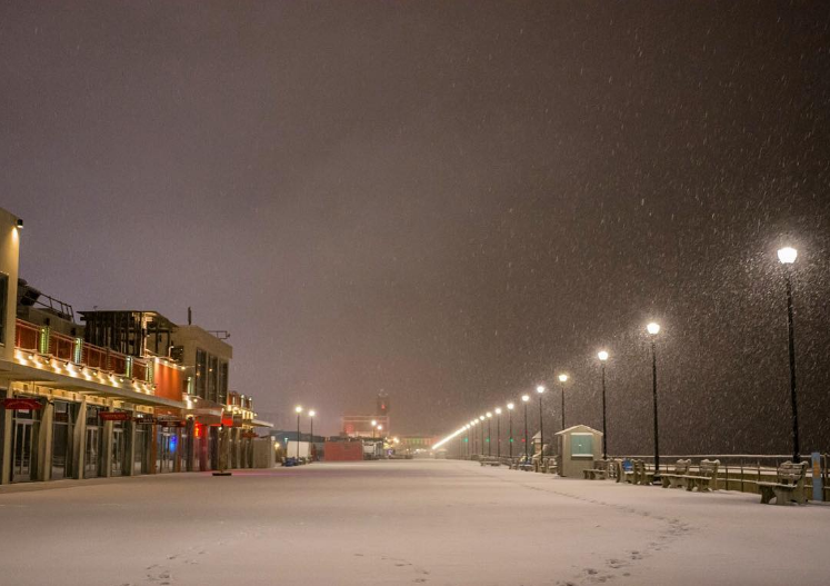 Snow blankets the Asbury Park boardwalk earlier this month. (Image: @geoffrey.parry as tagged #JSHN on Instagram)