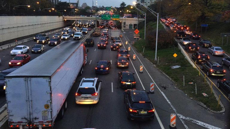 Traffic clogs I-676 in Philadelphia  during the SEPTA strike. (Katherine Blodgett via Twitter)
