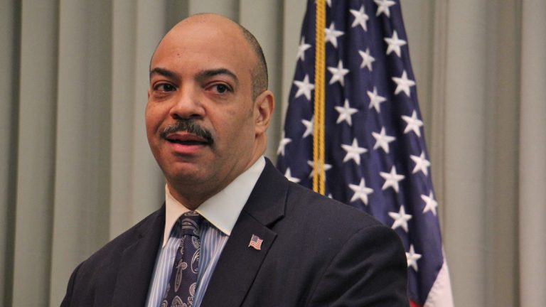 Philadelphia District Attorney Seth Williams announces that he will not seek another term. (Emma Lee/WHYY)