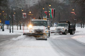 Plows clear Eakins Oval early in 2014. (NewsWorks file photo)