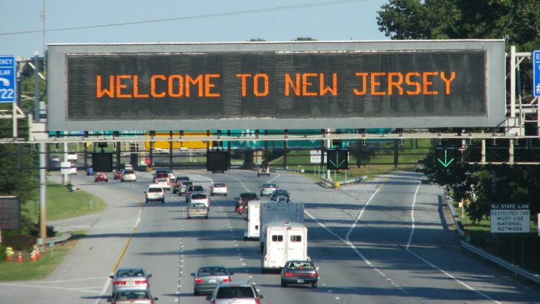 "(<a href=""http://www.shutterstock.com/pic-5895739/stock-photo-welcome-to-new-jersey-signage.html?src=76sZGUKg6iGsS7YJRQdR_A-1-18"">Photo</a> via ShutterStock)"