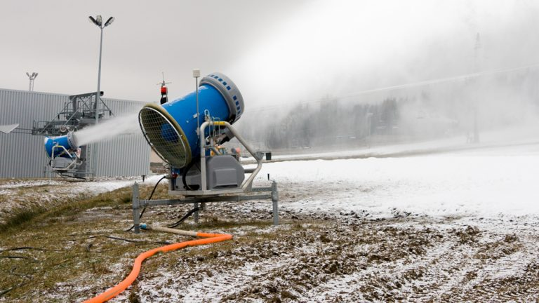 "(<a href=""http://www.shutterstock.com/pic-90190963/stock-photo-snow-cannon-preparing-a-slope-to-ski-season.html?src=Yf-Ucg56kNcf8f-FSAH9VQ-1-4"">Photo</a> via ShutterStock)"