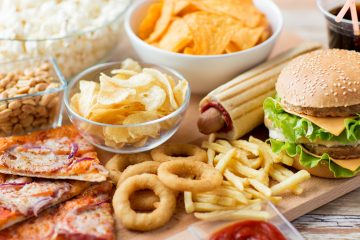 Fast food and unhealthy eating concept. (ShutterStock)