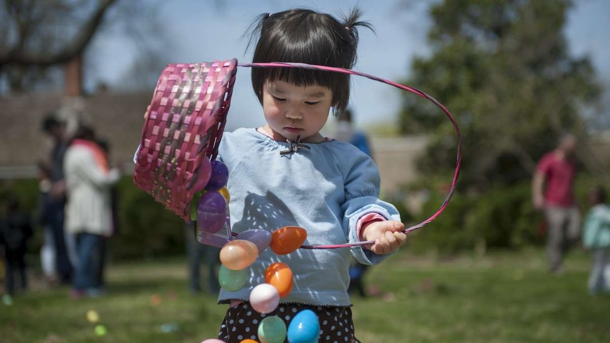 Head to the East Passyunk Easter Egg Hunt this weekend. (Tracie Van Auken/for NewsWorks, file)