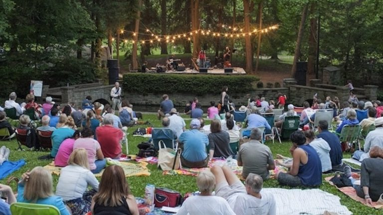 A scene from last year's concert series at Pastorius Park. (Howard Pitkow/for NewsWorks, file)
