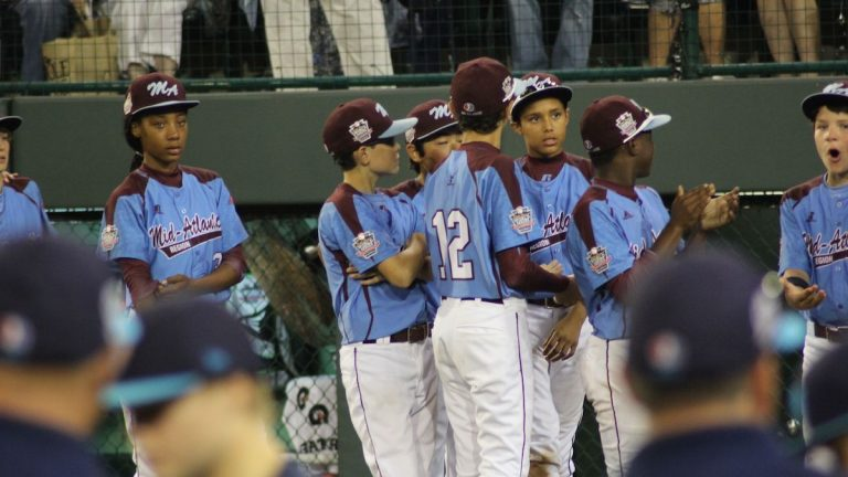 Mo'Ne Davis had a tough night on the mound as the Taney Dragons fell to Nevada, 8-1. They'll play again Thursday, against Chicago. (Kimberly Paynter/WHYY)
