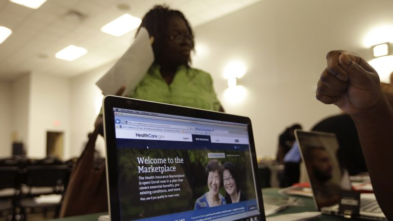 A computer screen shows a website run by the federal government where people can enroll for health care exchanges under President Barack Obama's health care law.  Due to technology problems, many were unable to sign up on the website. (AP Photo/Lynne Sladky)