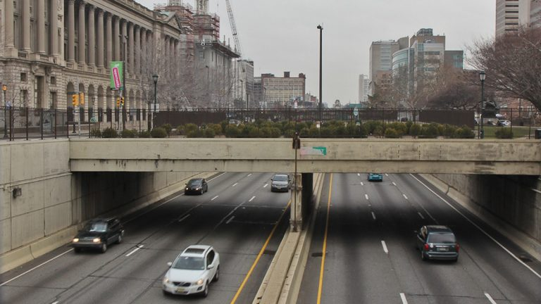 Cars travel along the Vine Street Expressway in Philadelphia (NewsWorks file photo)