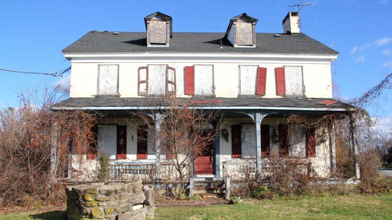 A new center for homeless veterans in Spring City will incorporate the Whitehall Inn. (Emma Lee/WHYY)