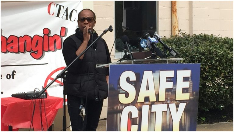 Patricia Brown-Robbins calls for peace at anti-violence rally.  (Nichelle Polston/WHYY)
