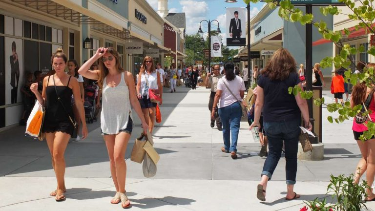 Shoppers at the Gloucester Premium Outlets in Camden County. (Alan Tu/WHYY)