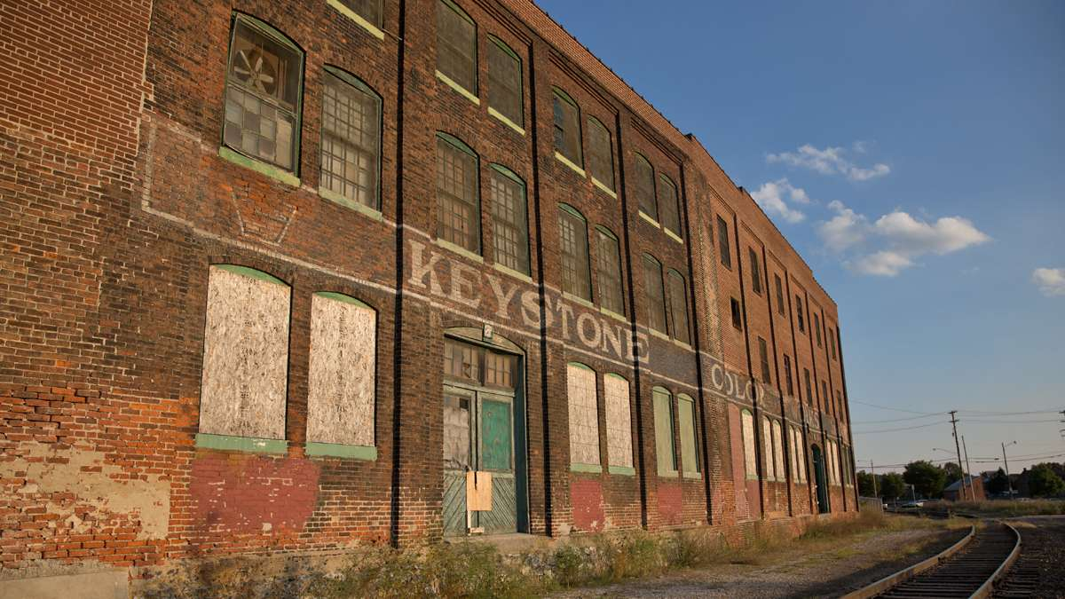The Keystone Colorworks paint factory near Codorus Creek shuttered in 2006. Developers have proposed to turn the building into 29 luxury apartments. (Lindsay Lazarski/WHYY)