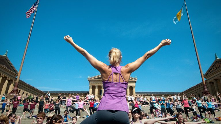 Jennifer Schelter leads Yoga on the Steps at the Philadelphia Museum of Art. (Photo by Beck Photography)