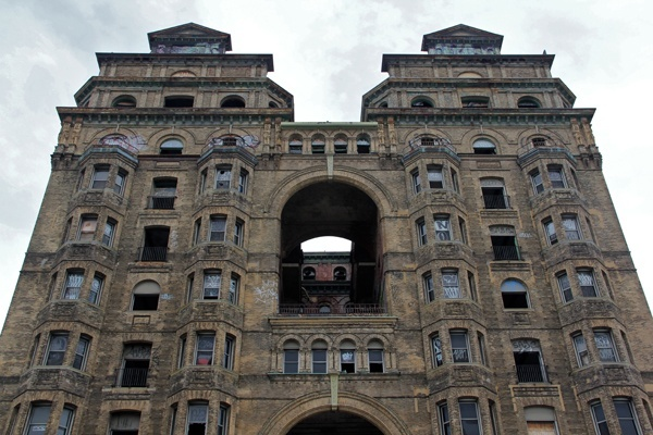 <p><p>The Divine Lorraine Hotel at 699 N. Broad St. opened in 1894 as an apartment building. Developer Eric Blumenfeld has plans to make it an apartment building again. (Emma Lee/for NewsWorks)</p></p>