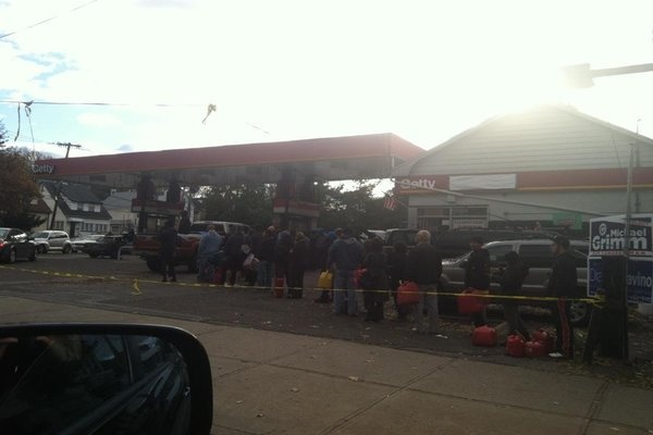 <p><p>Gas lines on 11/3/2012 (Photo credit: Sam Gerlach)</p></p>