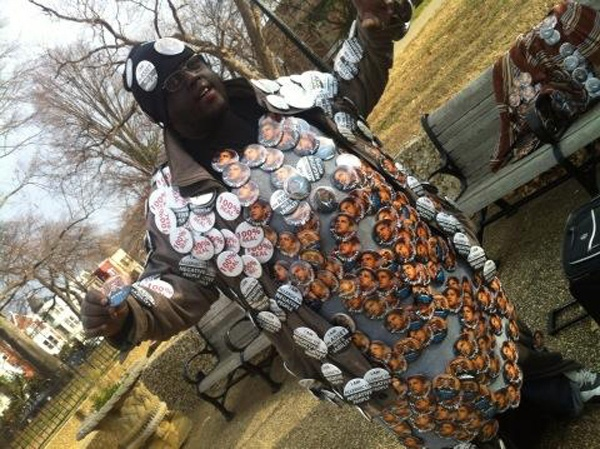 <p><p>Lee Harris from Georgia sells buttons for $2. (Kimberly Paynter/WHYY)</p></p>