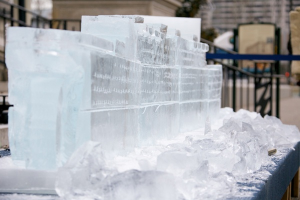 <p><p>The Titanic ice sculpture in front of the Franklin Institute is 12 ft. long and weighs 2,200 lbs. (Nathaniel Hamilton/for NewsWorks)</p></p>