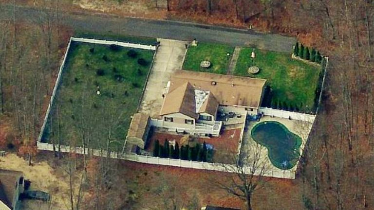 Police scanner reports the man drowned in a pool at 1042 Spruce Avenue in Williamstown, N.J. (Image from Bing Maps)