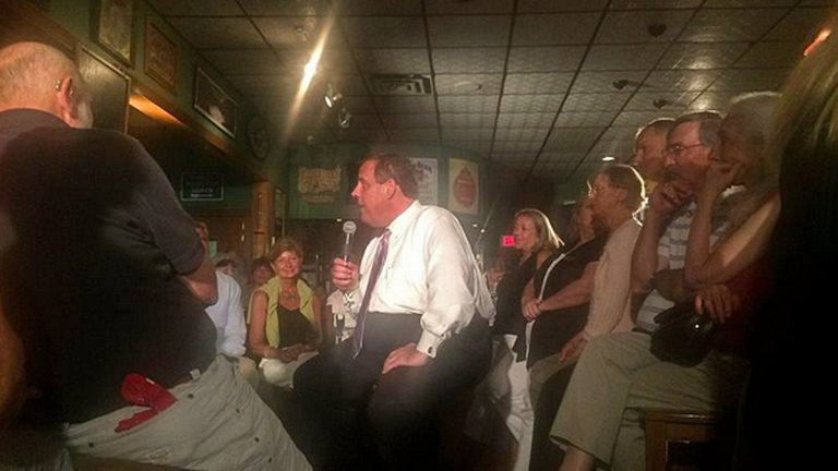 Gov. Chris Christie at a town hall meeting in a bar in Keene, NH.(Matt Katz/WNYC)