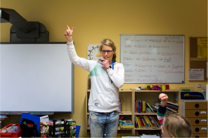 Karolin Ratsack teaches a combined 2nd and 3rd grade class of tracked students at Gustav Falke elementary in Wedding. (Jessica Kourkounis/For Keystone Crossroads)
