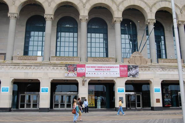 <p><p>Inside Boardwalk Hall in Atlantic City is the world's largest pipe organ.  (Mary Cummings Jordan/WHYY)</p></p>