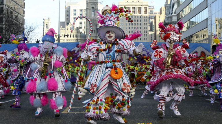 Mummers strut their stuff during the 2011 parade. (AP file photo)