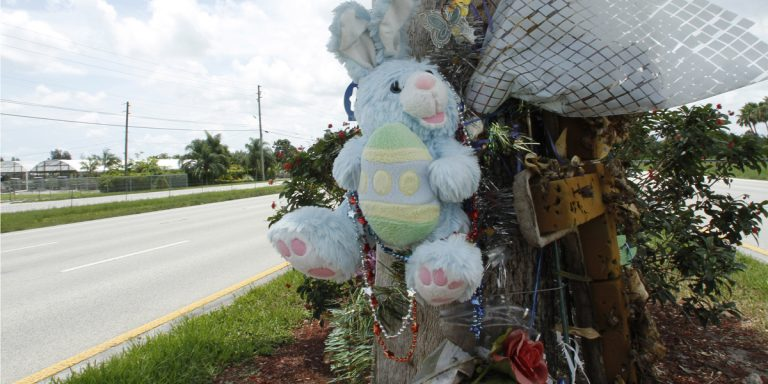 New Jersey lawmakers want to provide an alternative to roadside memorials in honor of those who have died in crashes. (AP file photo)