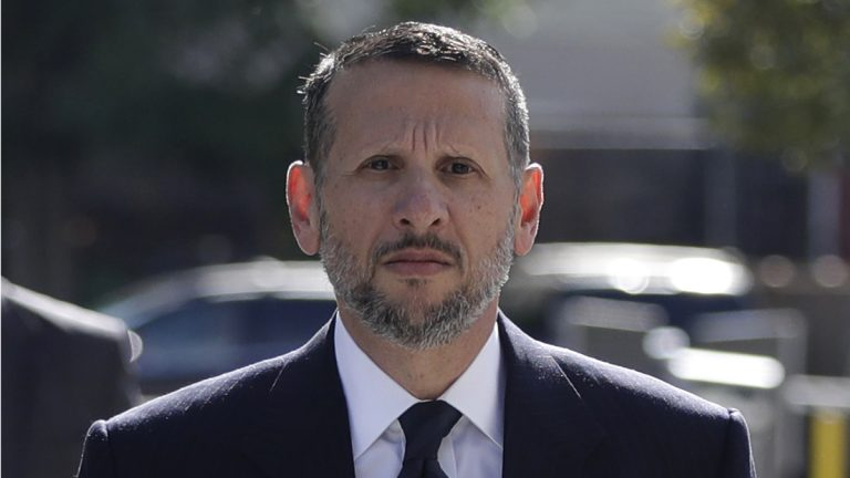 David Wildstein arrives at Martin Luther King Jr. Federal Courthouse for a hearing Friday in Newark, New Jersey. Wildstein pleaded guilty last year to orchestrating traffic jams in 2013 to punish a Democratic mayor who didn't endorse Gov. Chris Christie.  (AP Photo/Julio Cortez)